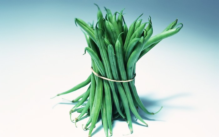 A bunch of green beans 25403