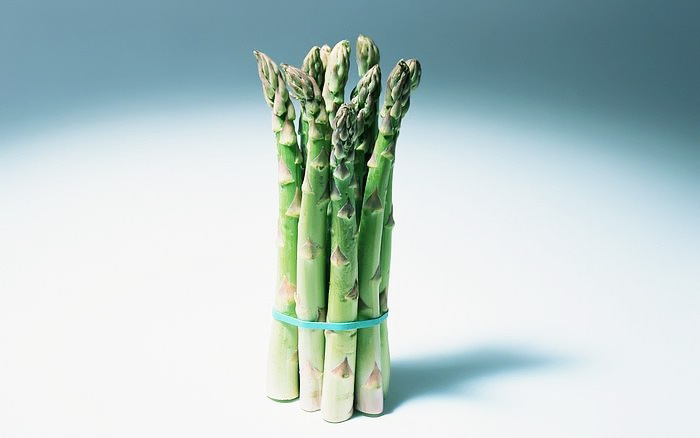 A bundle of asparagus 25508