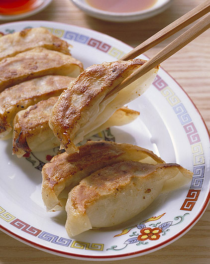 Dumplings and fried material 13229