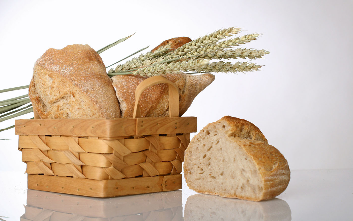 Bread Features 16609