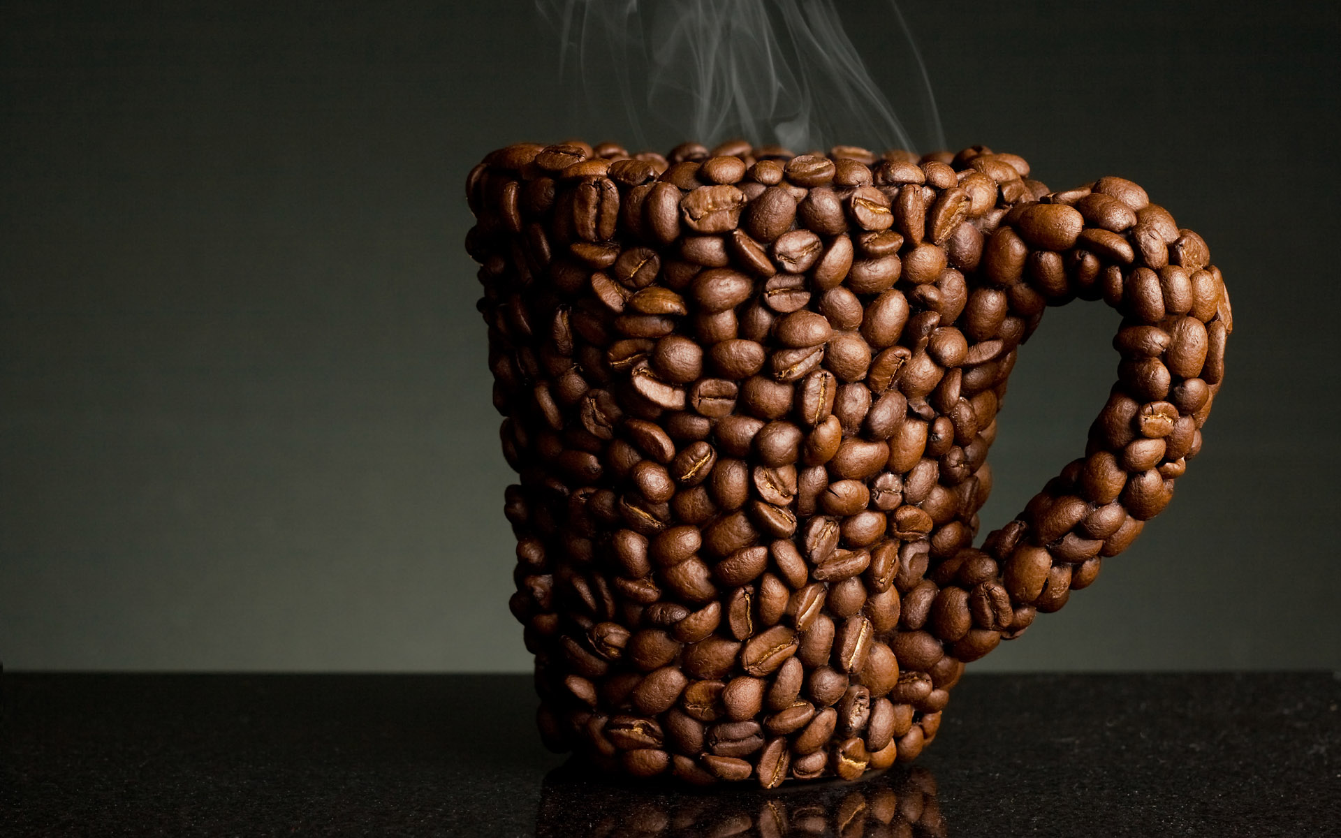 Coffee and coffee beans close-up 16435