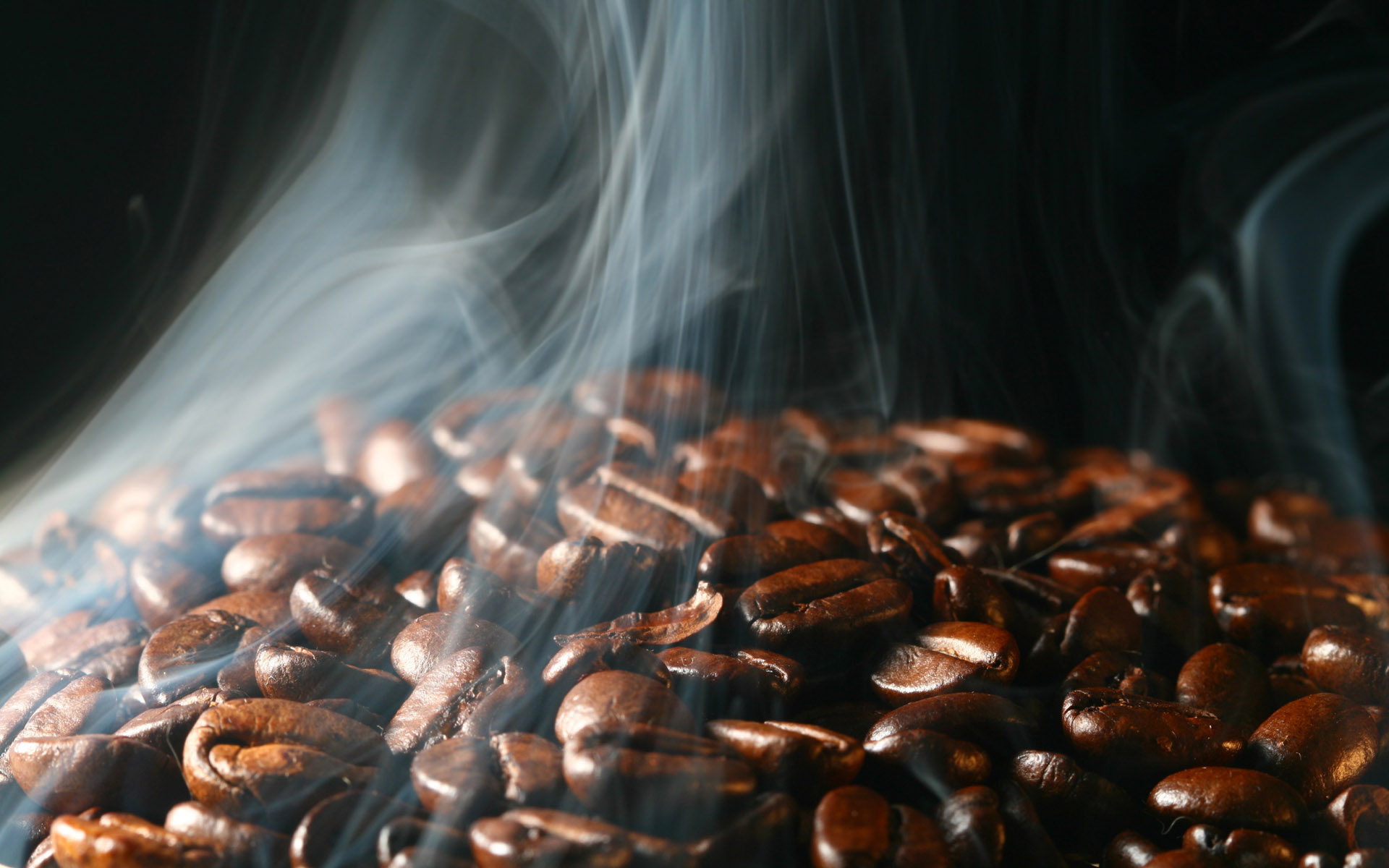 Coffee and coffee beans close-up 16726