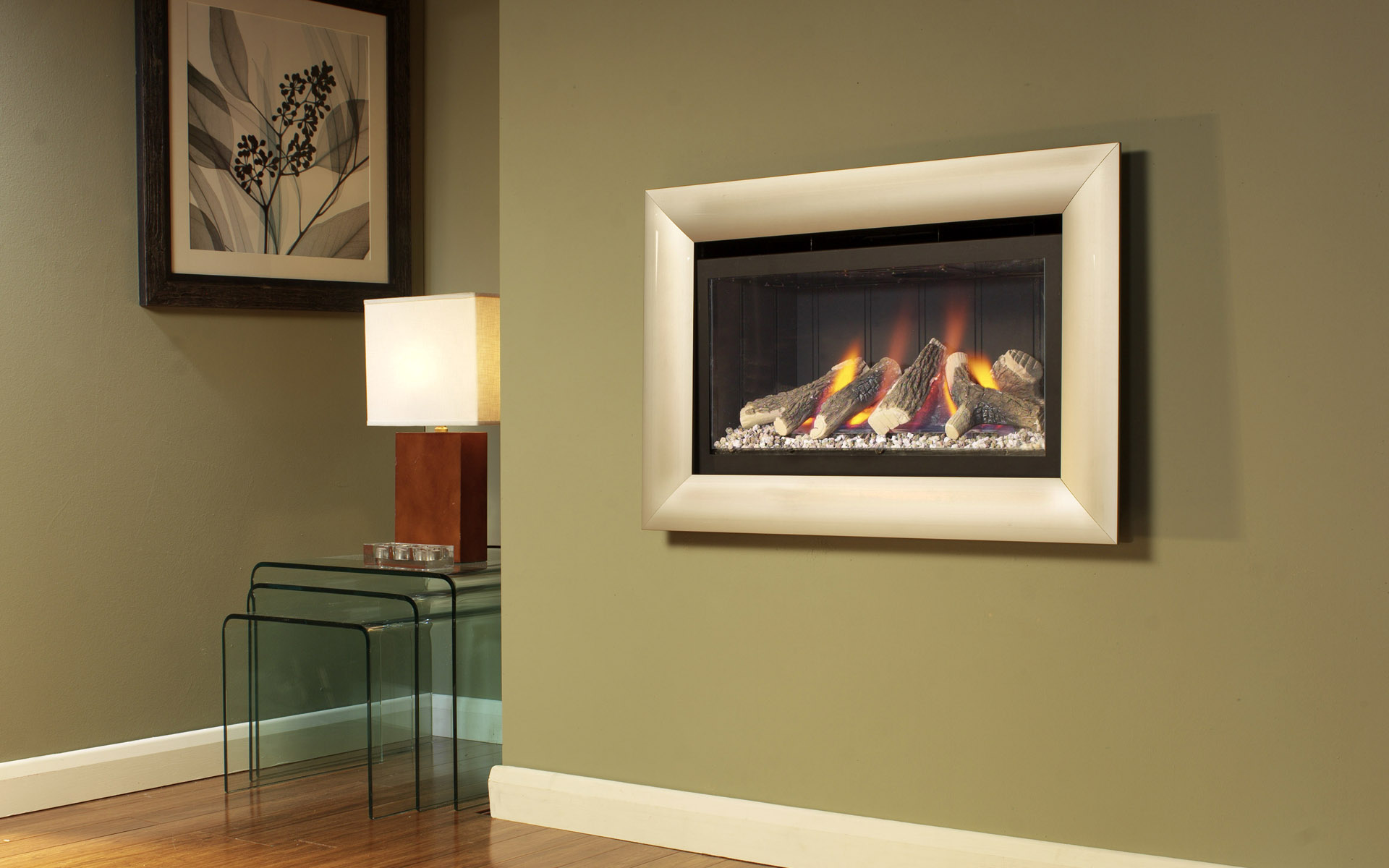 Western-style home fireplace 23070