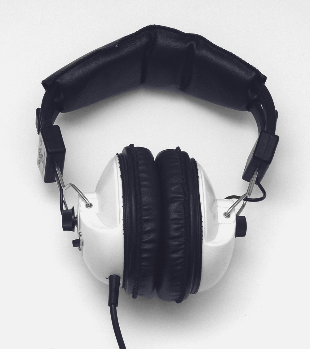 High-definition headphones picture 22545