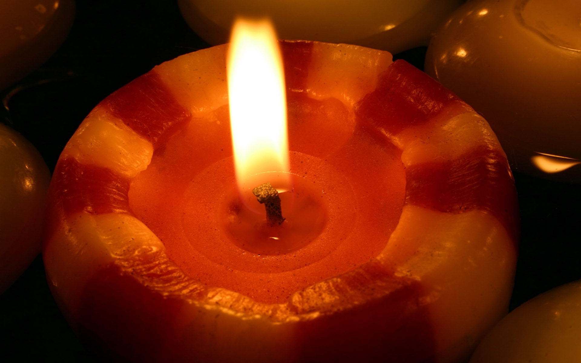 Candle wallpaper 10258