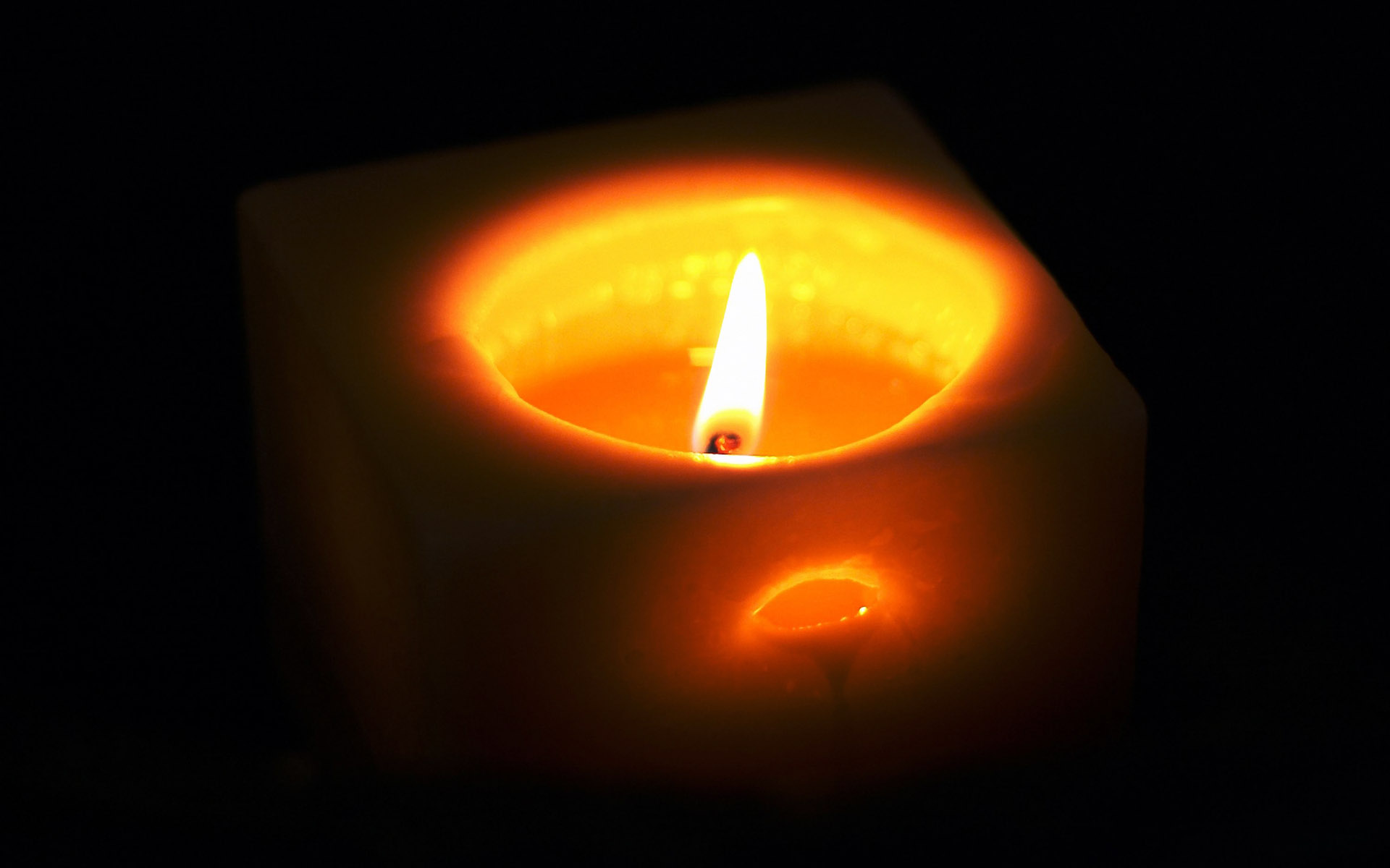 Candle wallpaper 2606
