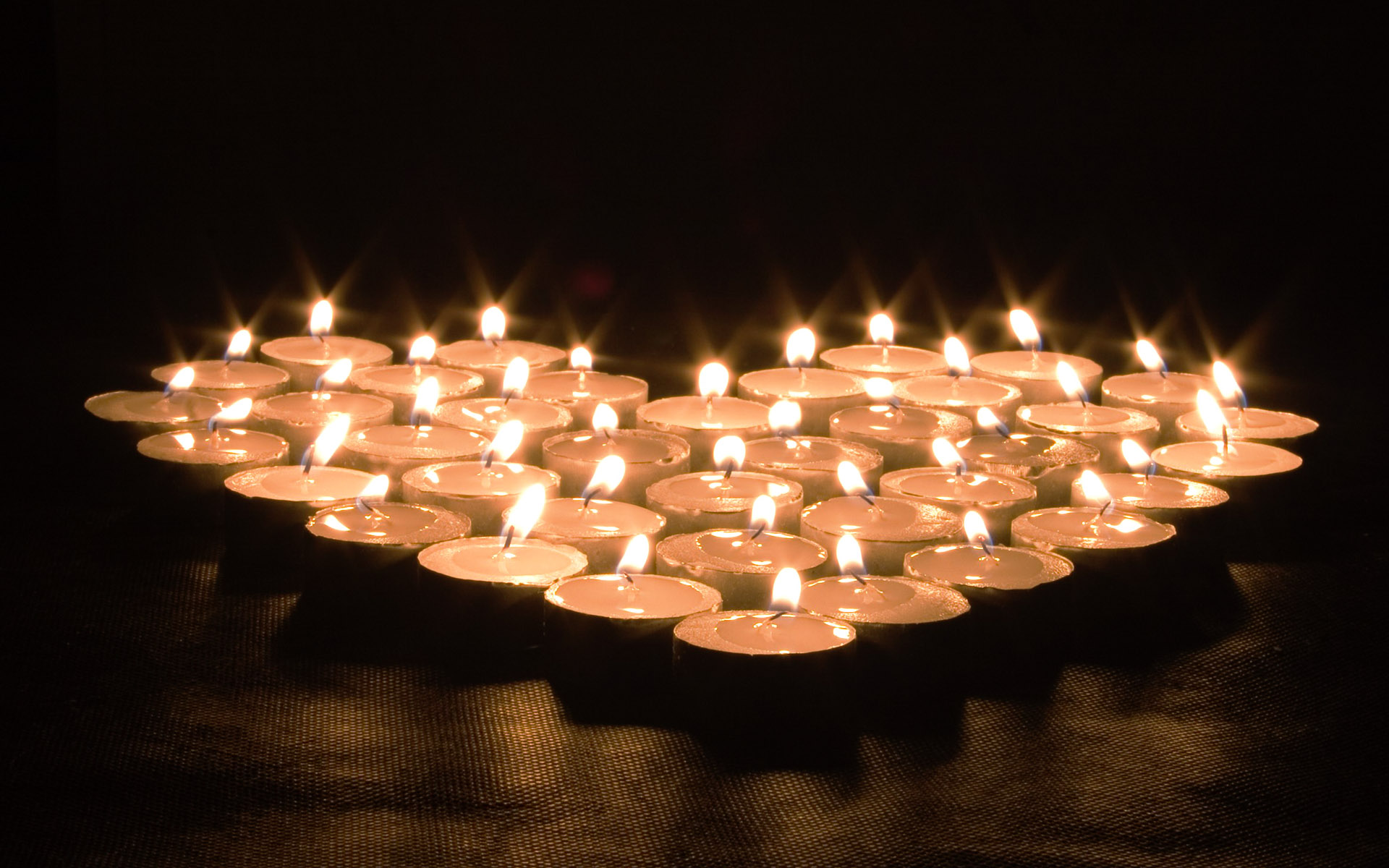 Candle wallpaper 7761