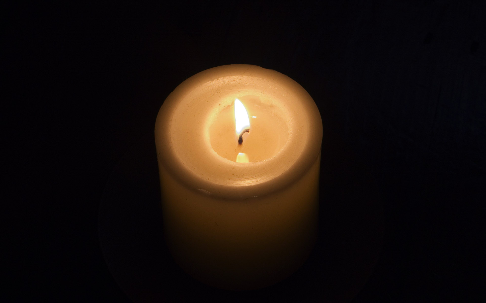 Candle wallpaper 7987