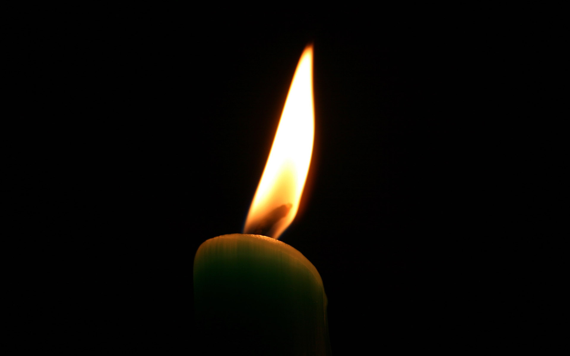Candle wallpaper 8100
