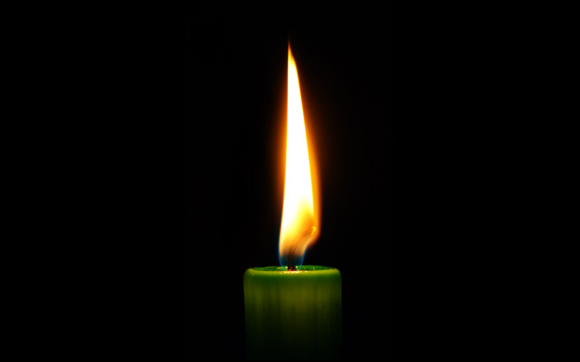 Candle wallpaper 8212