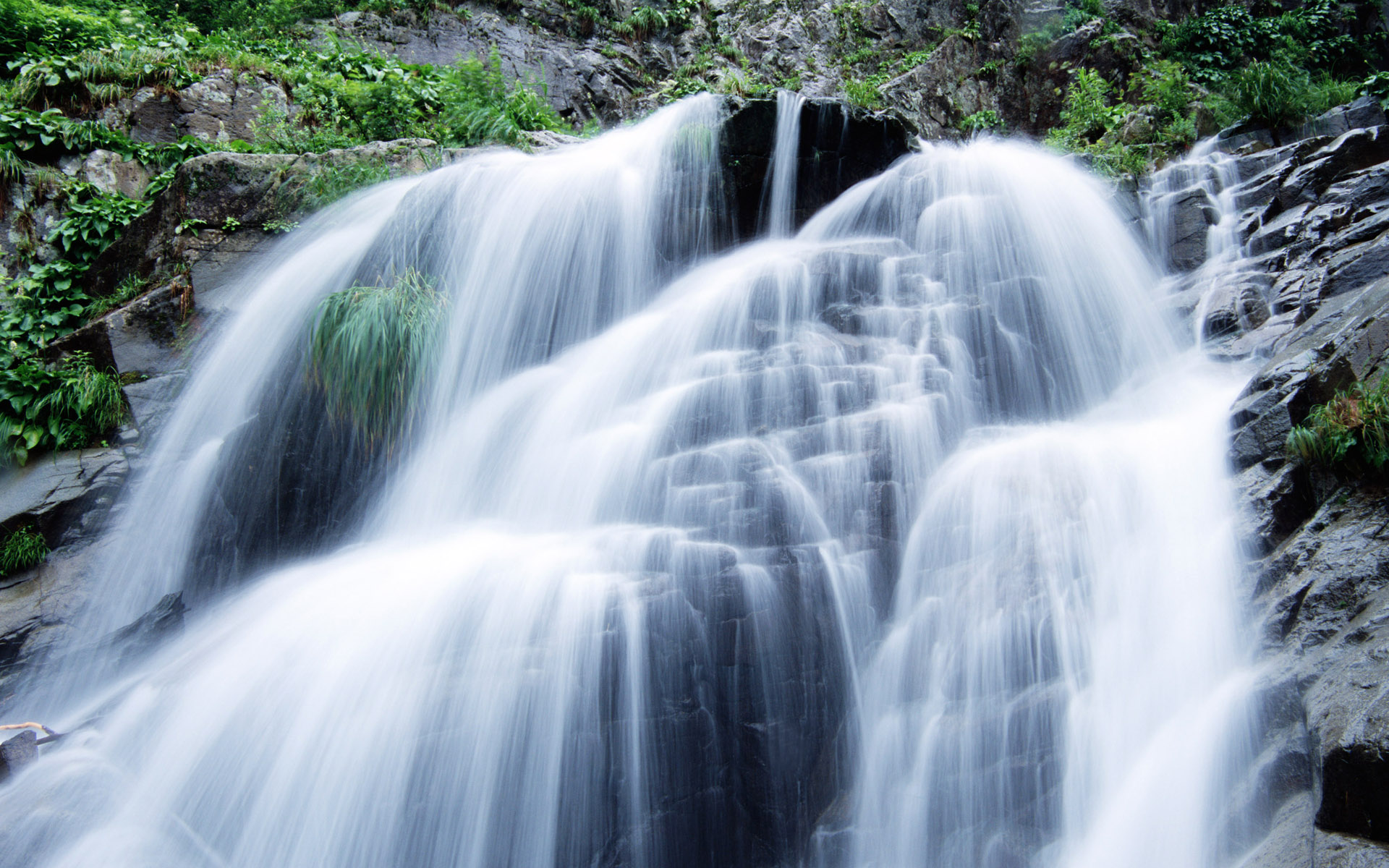 Waterfalls, streams, 4900