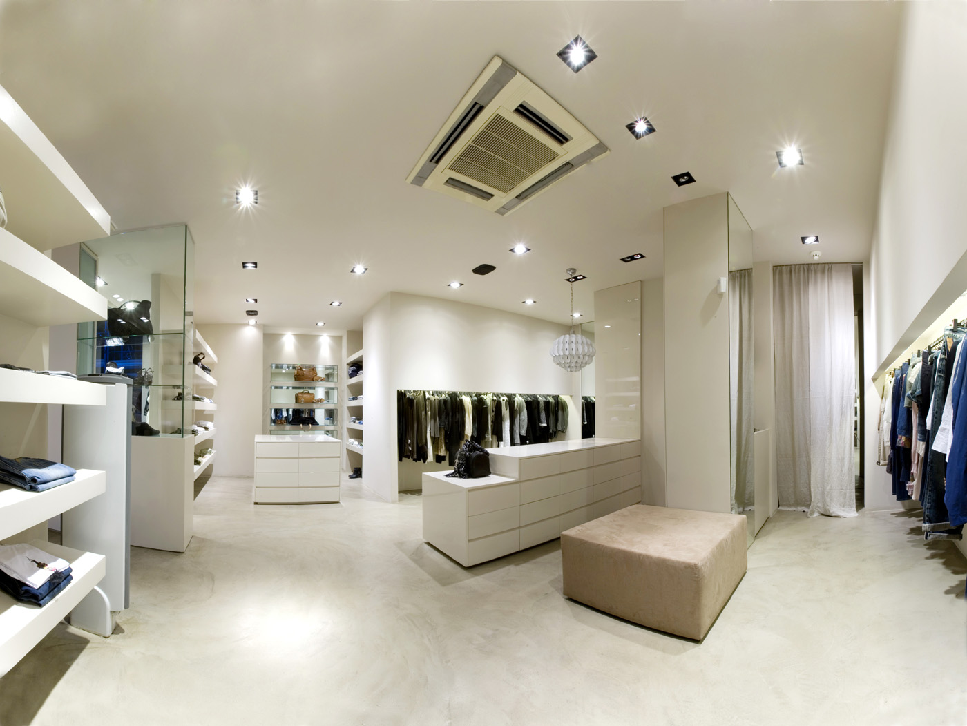 Zone clothing store 25003