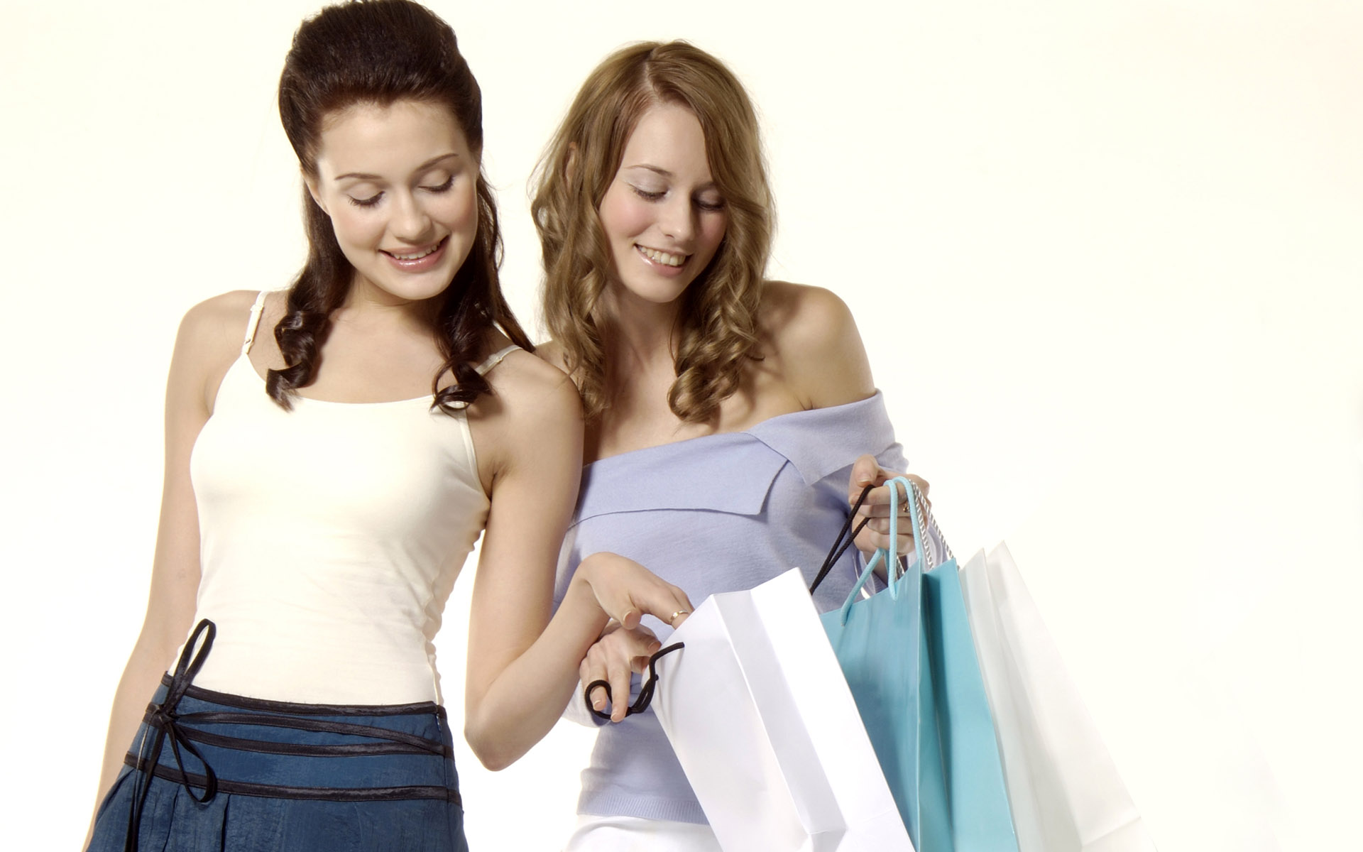 Women Shopping 4931