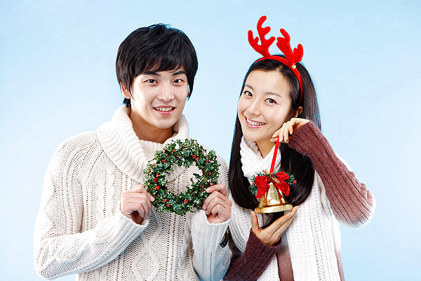 Festive romantic couples 16305