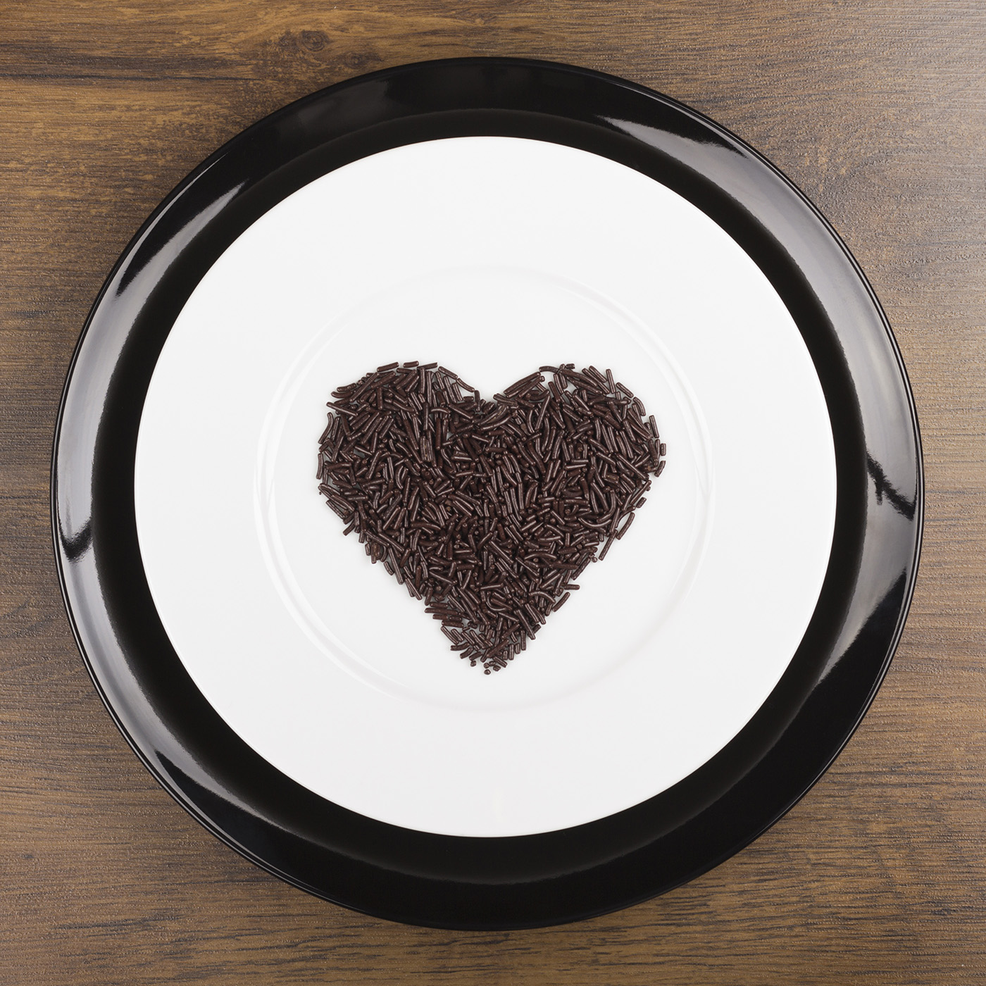 In a heart-shaped chocolate dish 50105