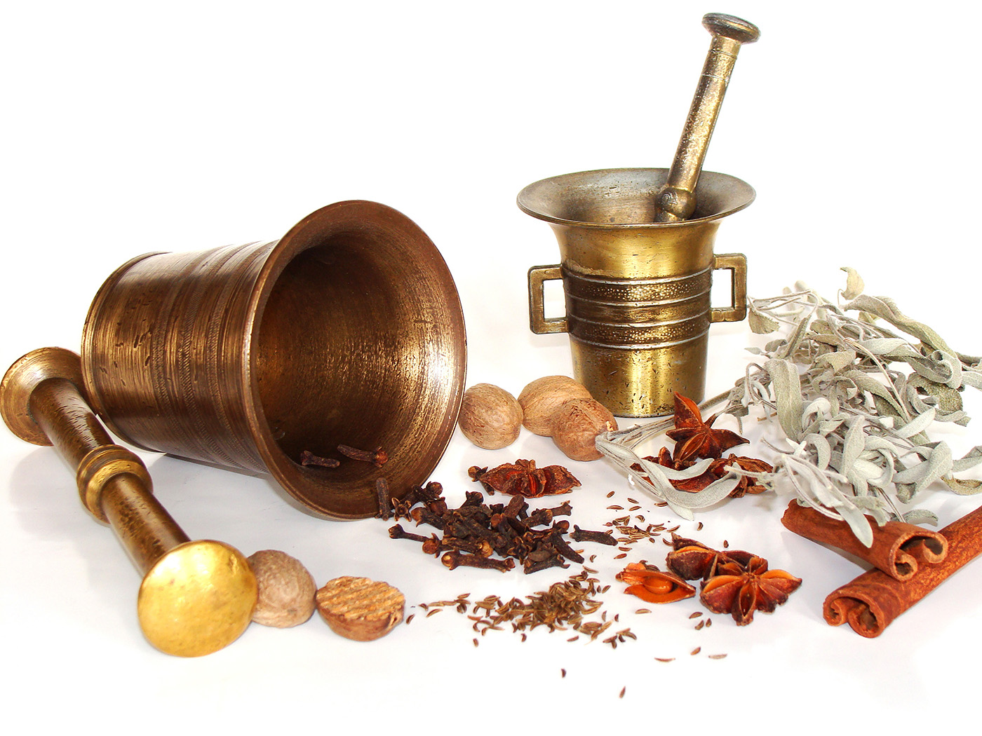 Star anise and other spices and grinding tools 50116