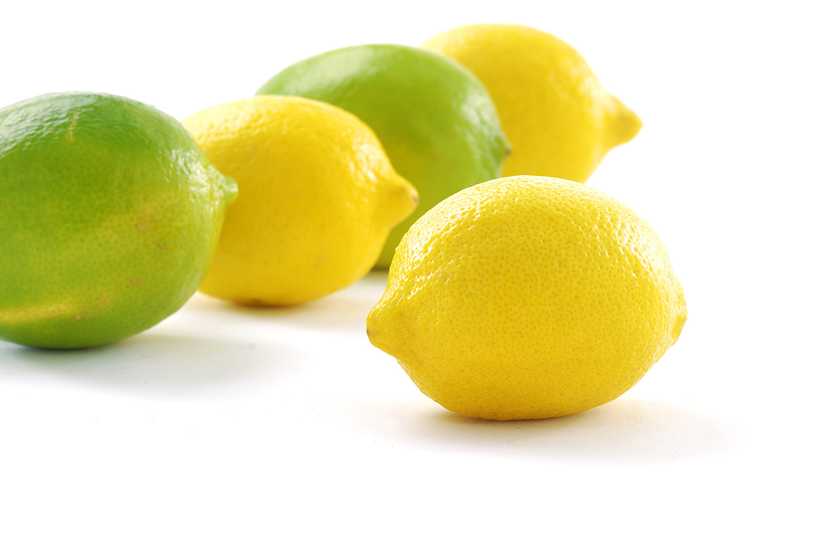 Green and yellow lemons 50117
