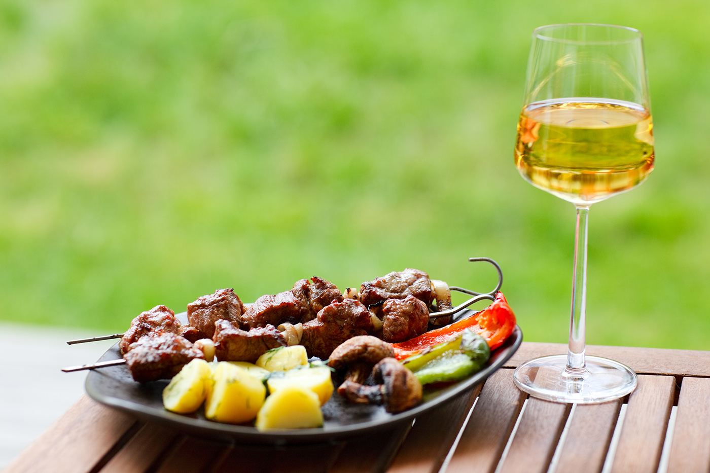 Kebab grilled food and wine 50160