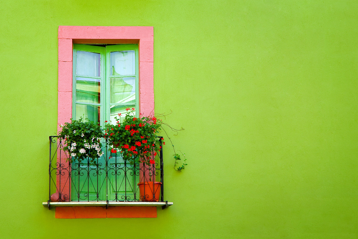 Continental balcony windows and green walls 50377