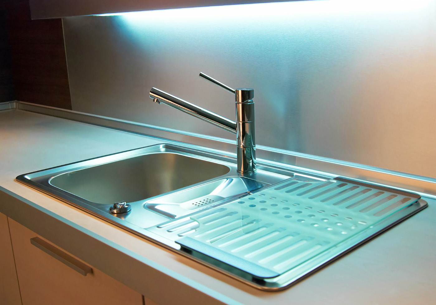 Sink and faucet lights and under 51093