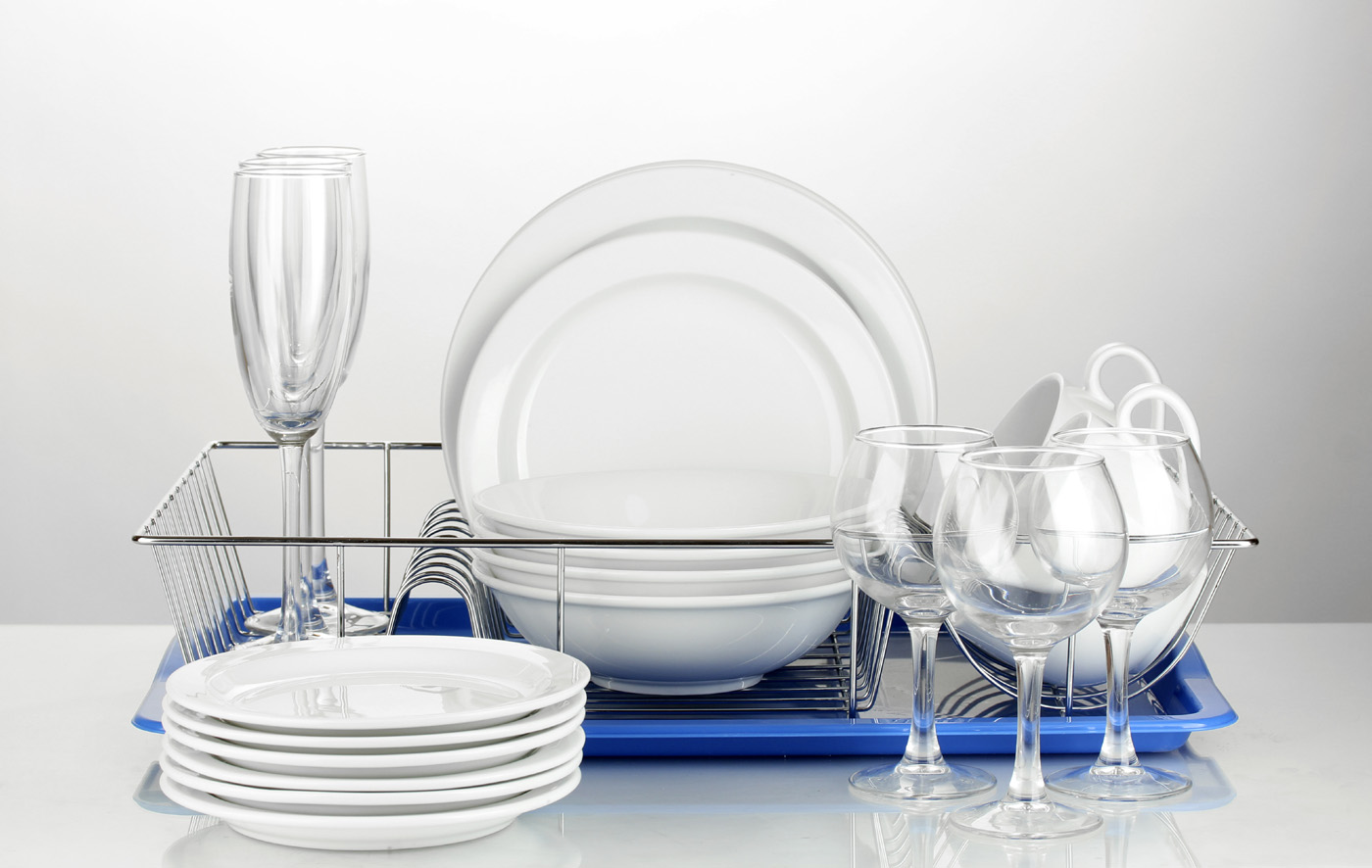 Goblets and plates cutlery 51130