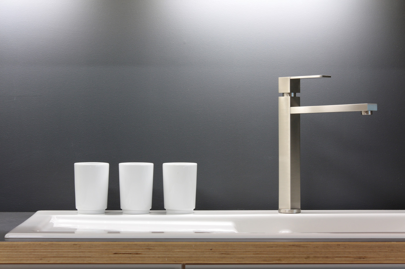White cup with tap 51136