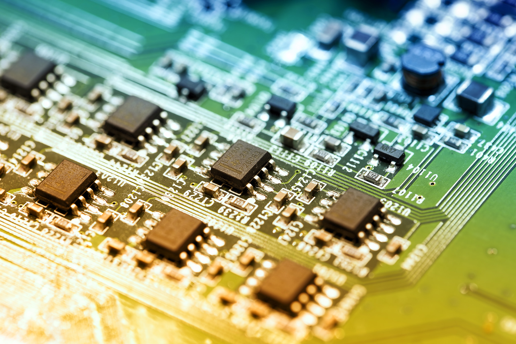 Electronic components on the motherboard 51221