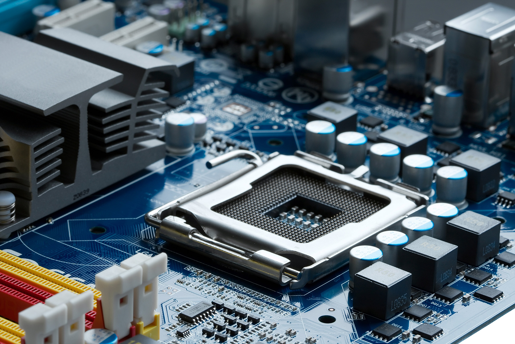 Capacitors and other components on the motherboard 51229