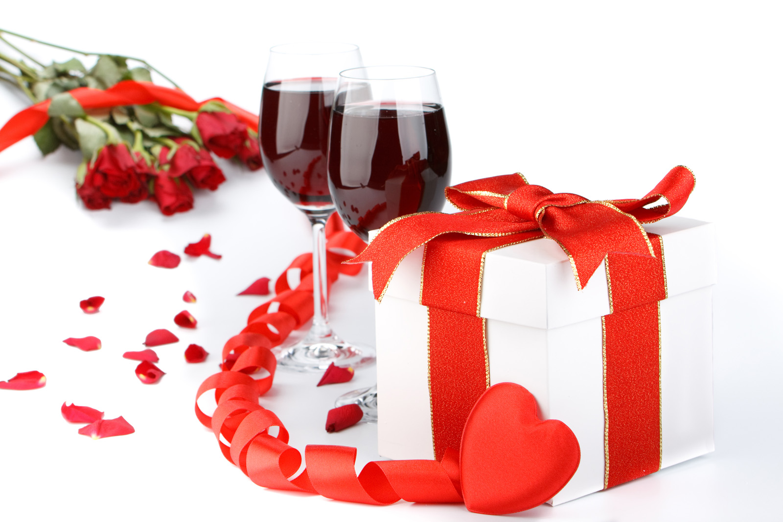 Gift box and red wine roses 51411
