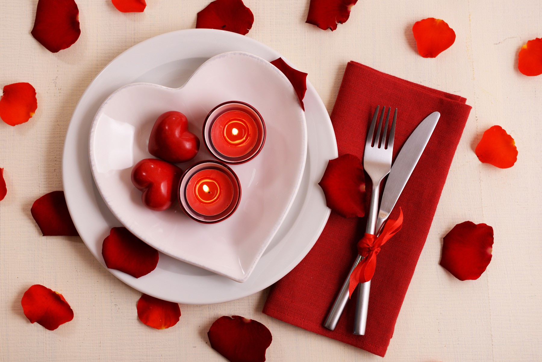 Candles and petals cutlery 51507