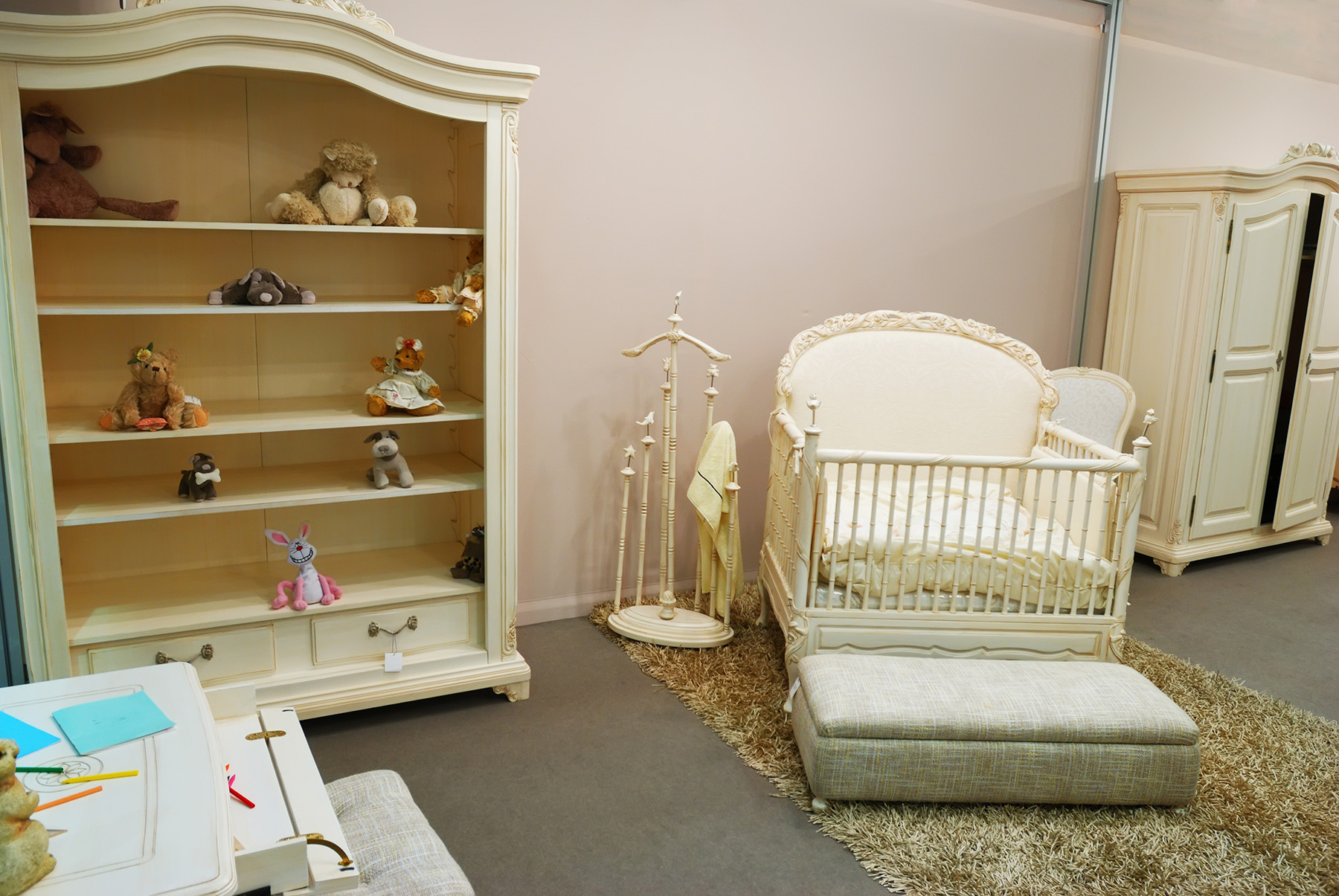 Toy display racks and baby bed 51589
