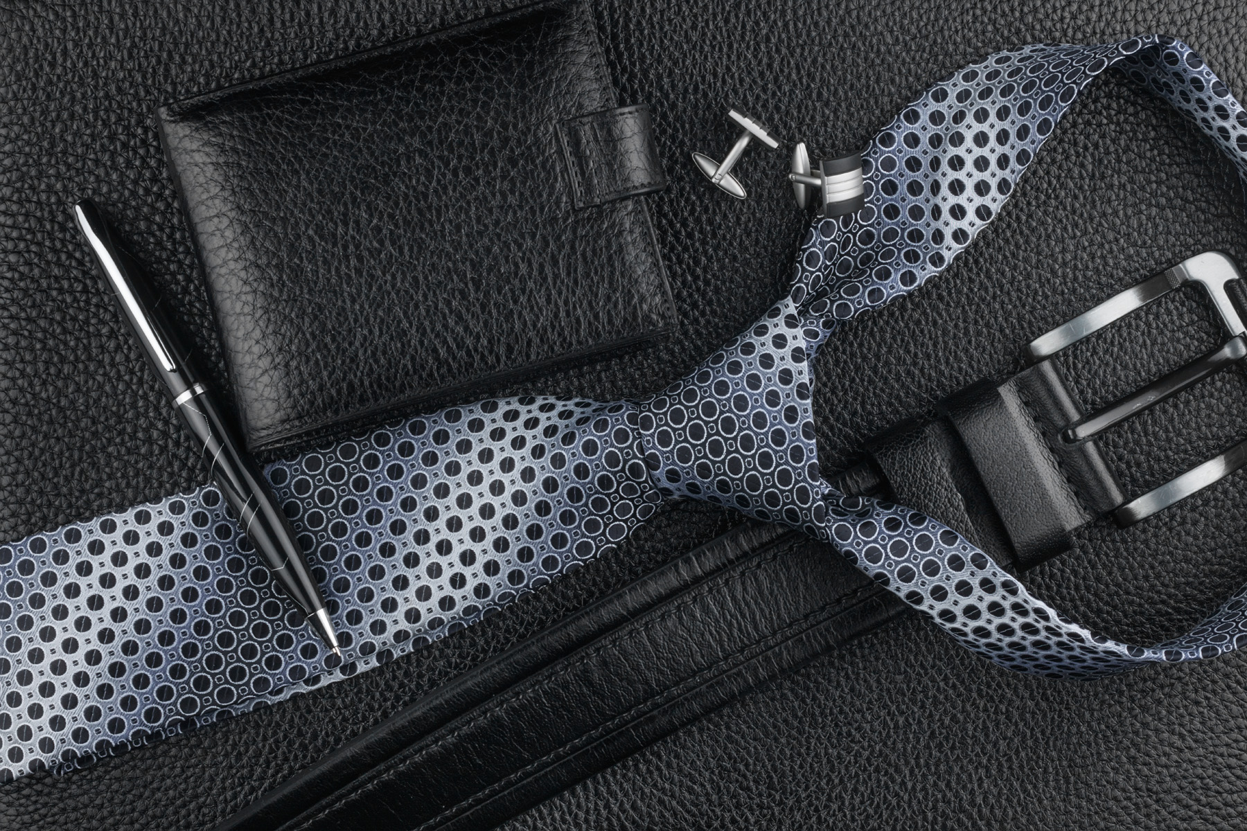 Purse ties and belts and men's apparel 51698