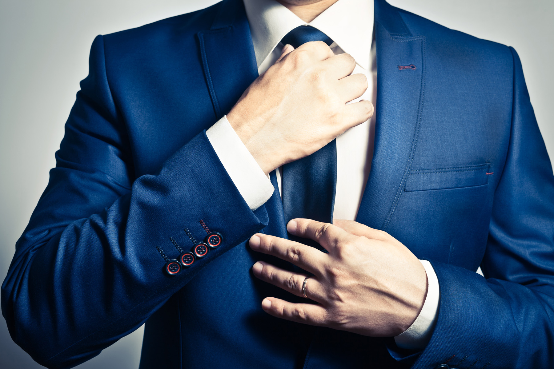 Men who dressed in a royal blue suit local 51704