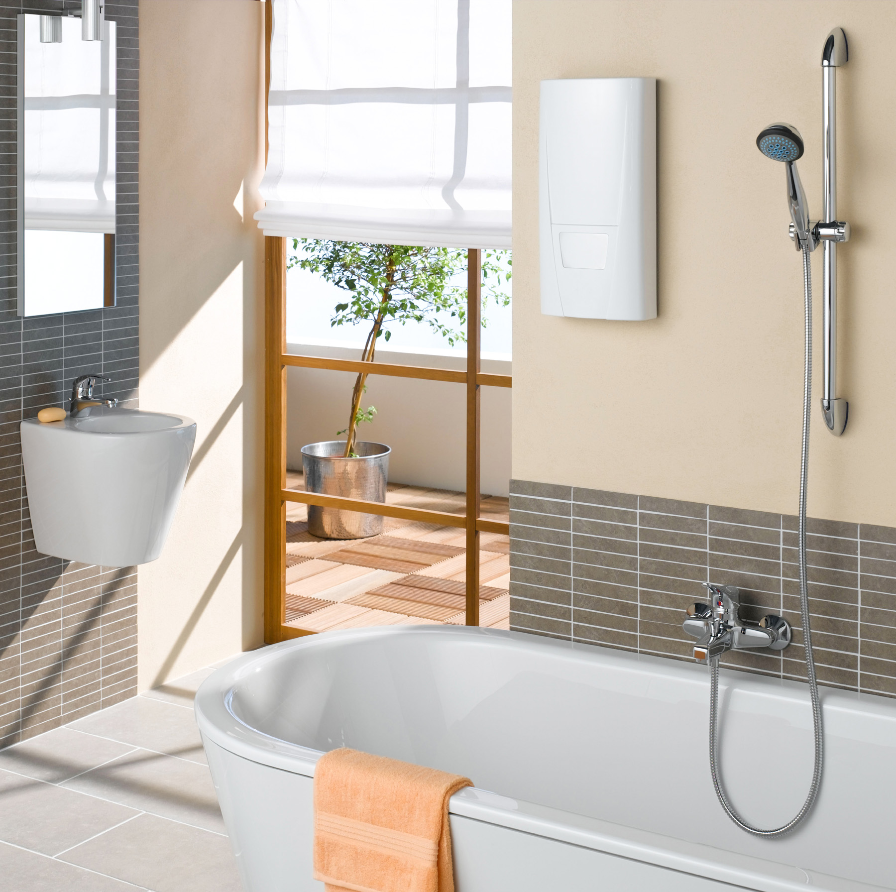 Room washbasin and shower 51925