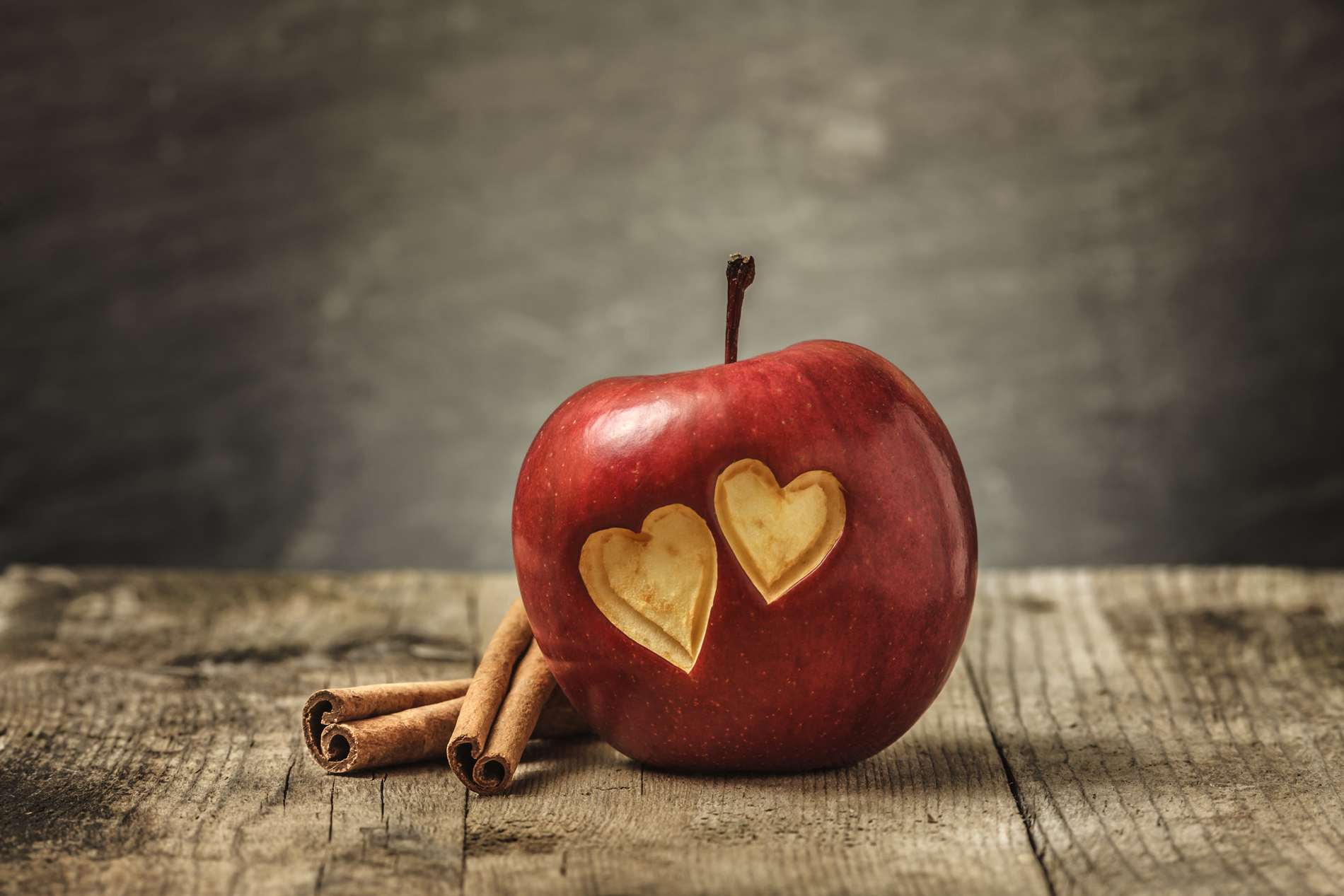 Engraved with two heart-shaped Red Apple 52534