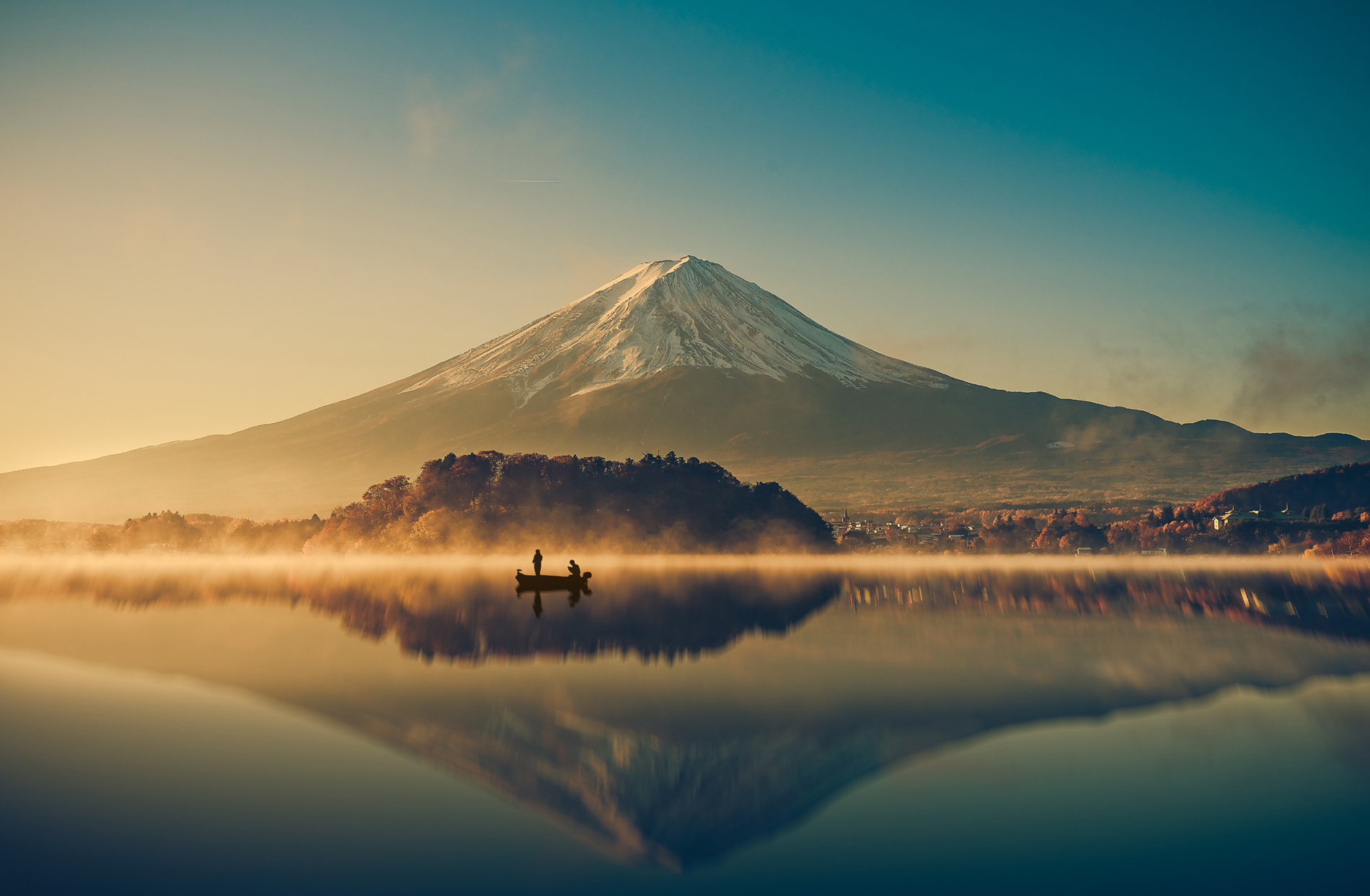 Mount Fuji and calm Lake 52559