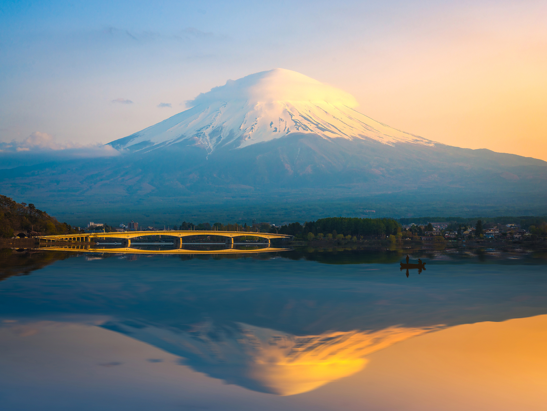 Mount Fuji Lake bridge 52581