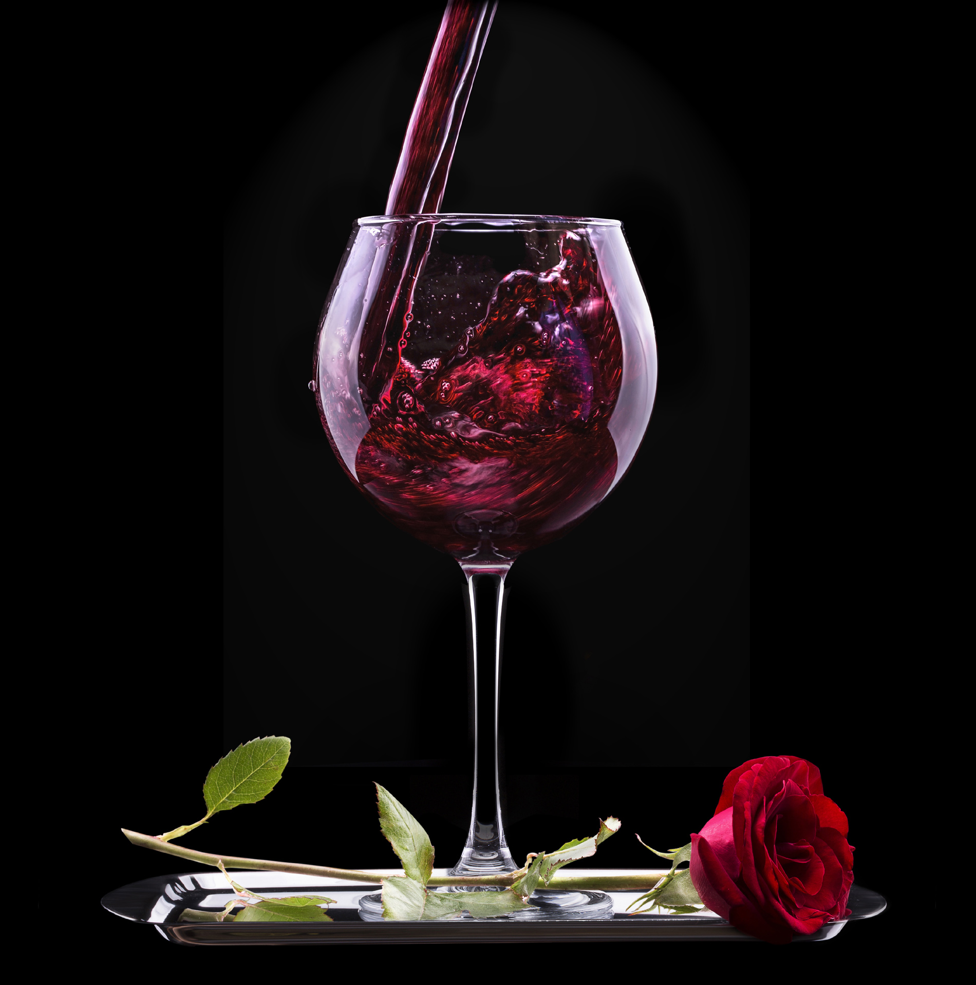 Red Roses flowers and goblets 52626