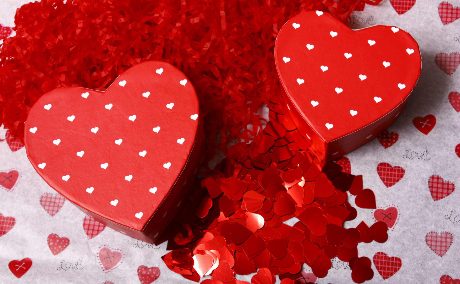 Torn and red heart-shaped gift box 52694