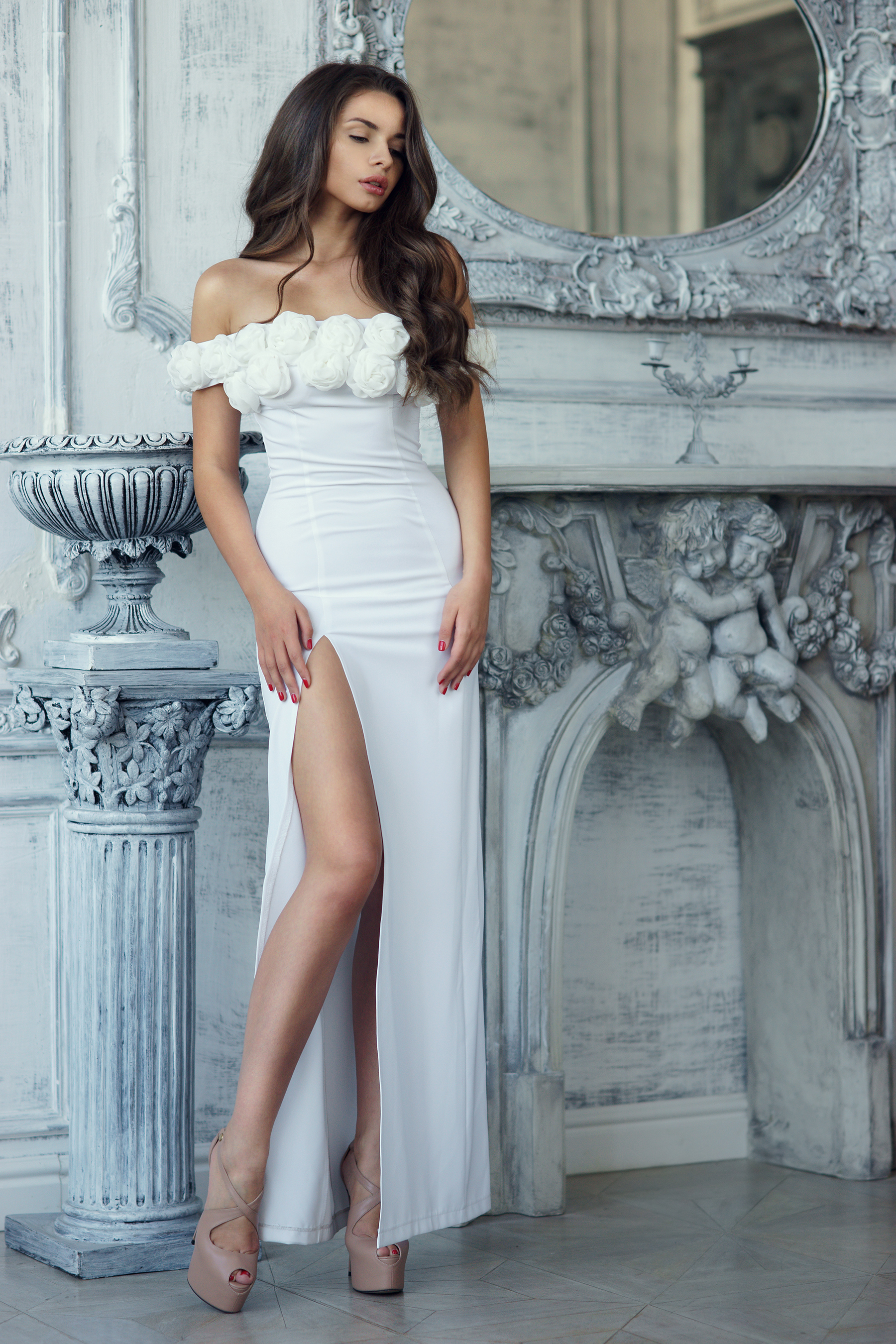 High slit long skirt white beauty 53050