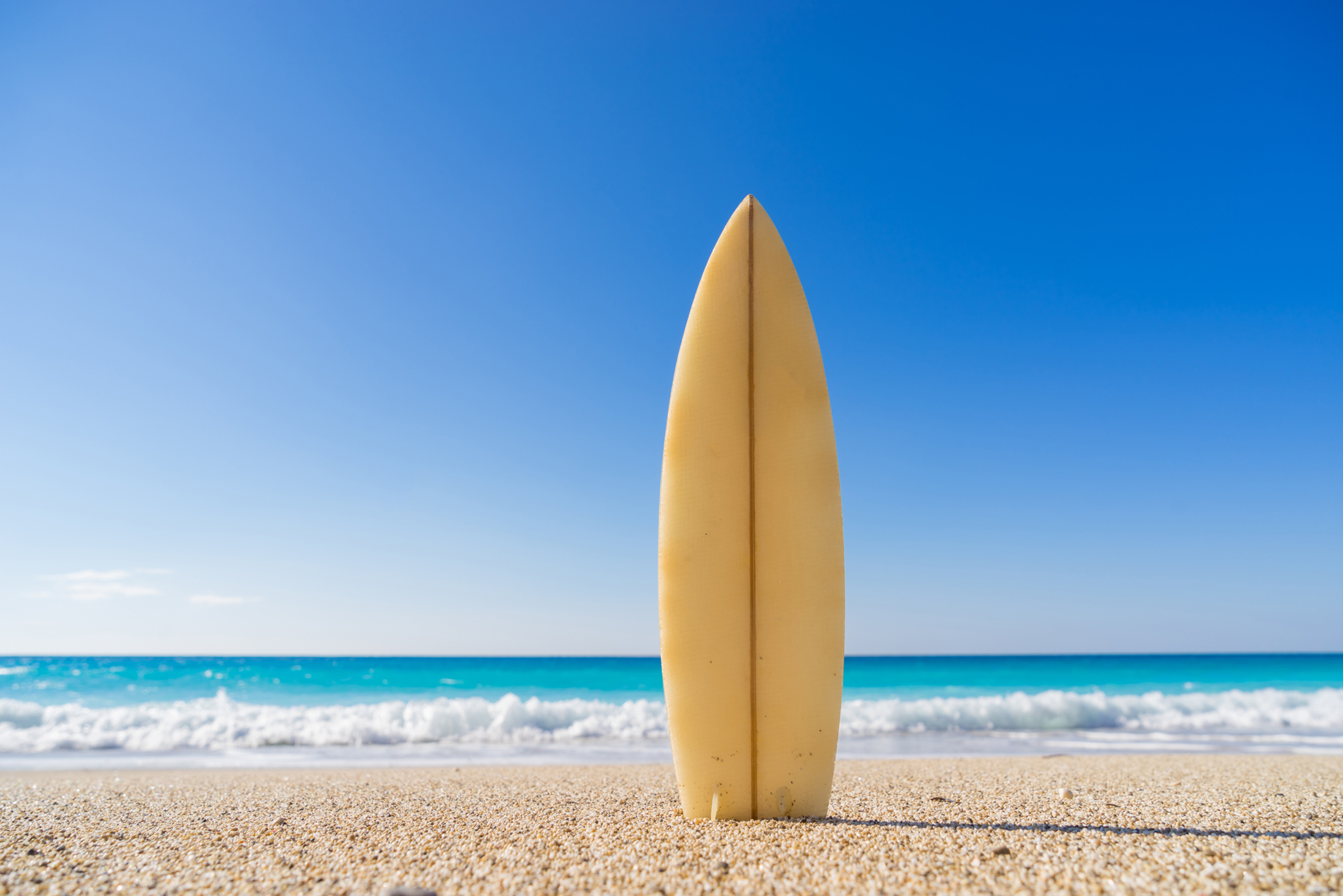 Erected on the beach, surfboard 53163
