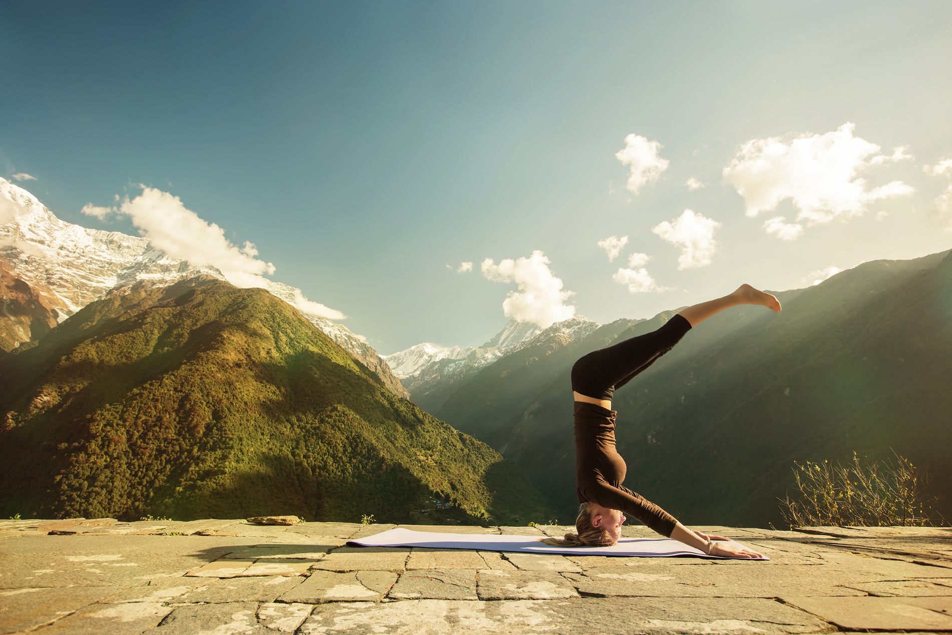 Doing the handstand movements of Yoga girls 53269