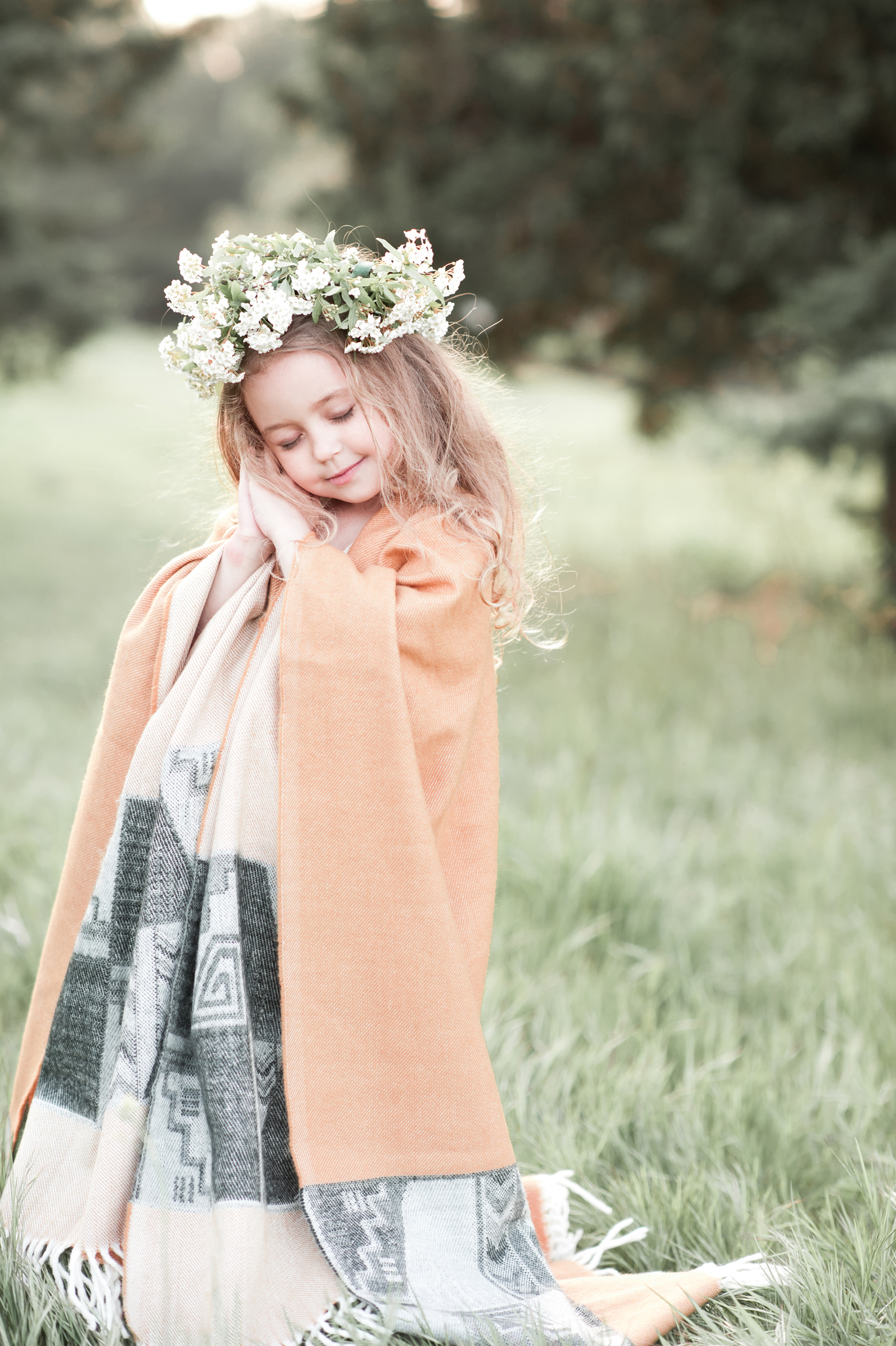 Wearing a Garland girl in the grass 53358