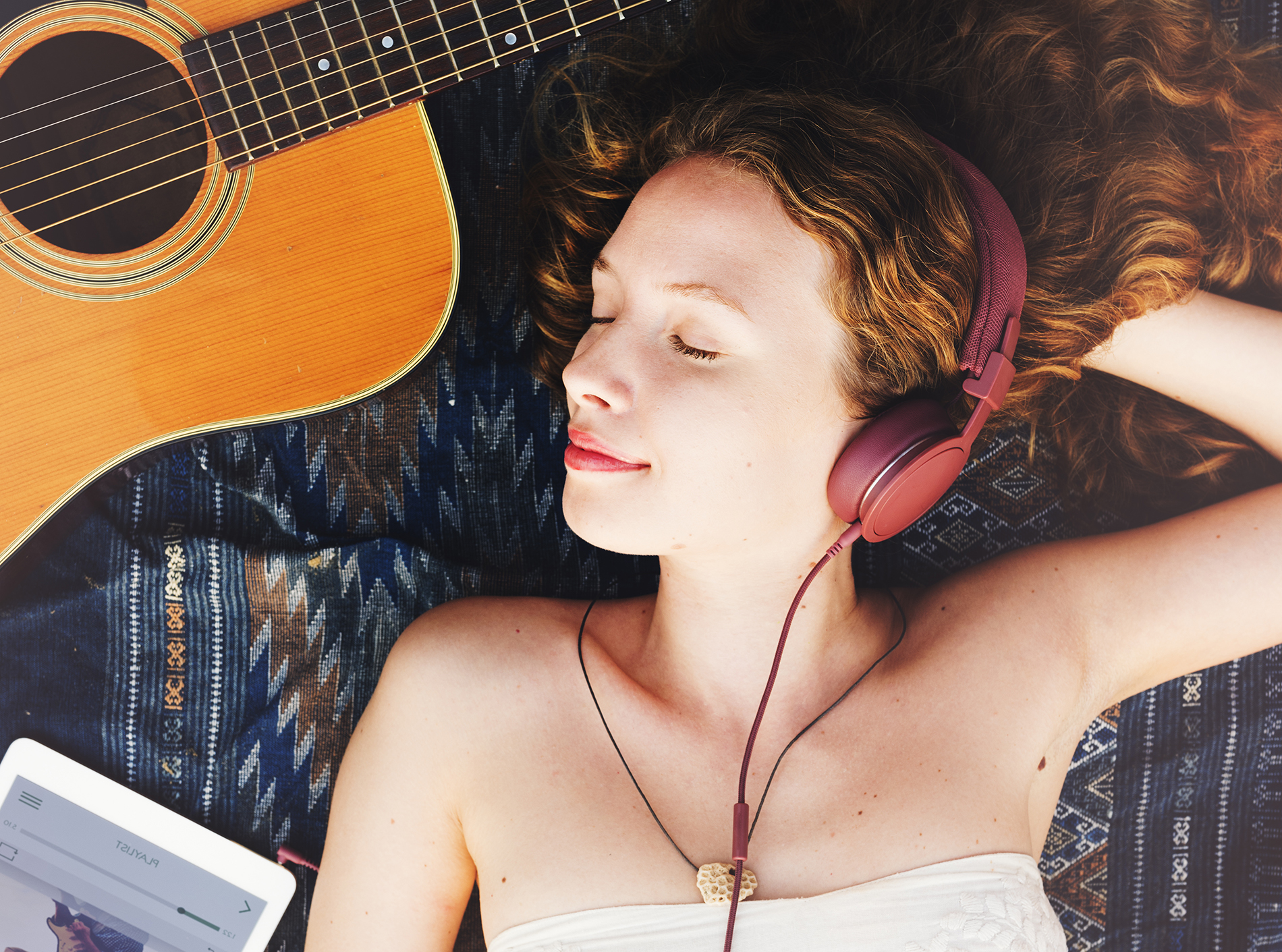 Guitar and listened to the music of beauty 53395