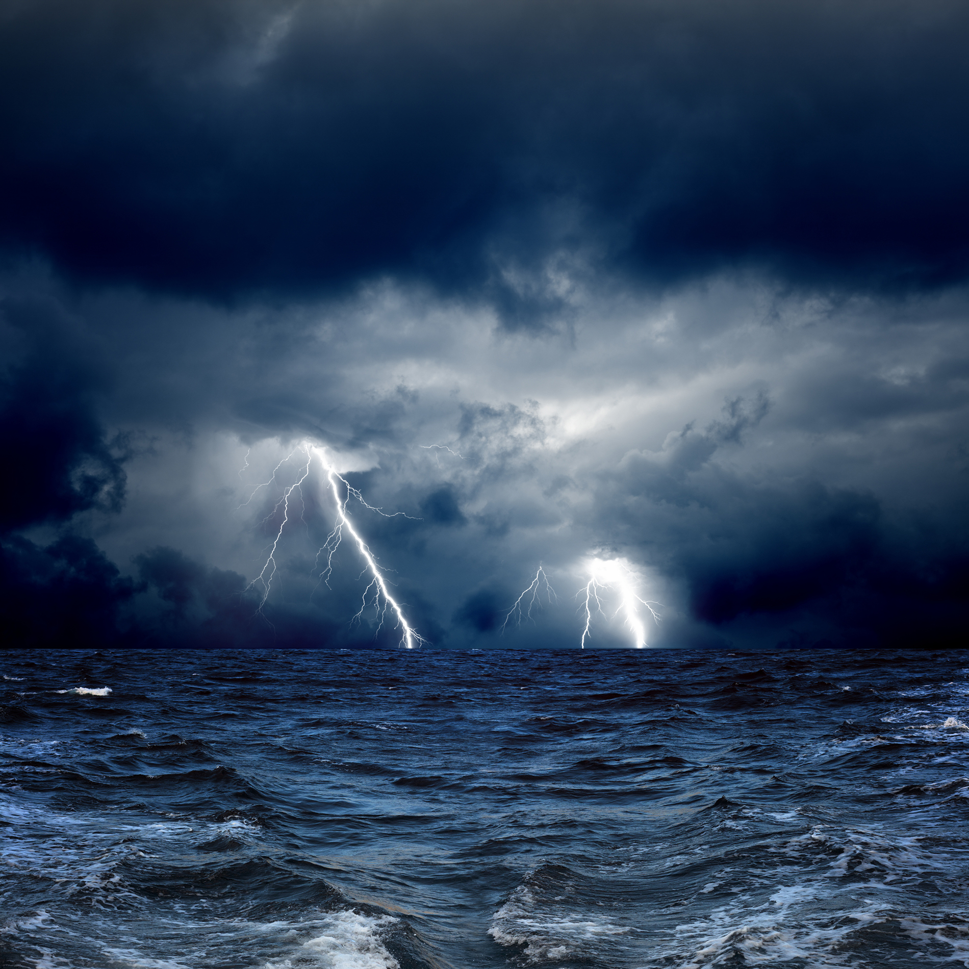Sea storms and lightning 53468