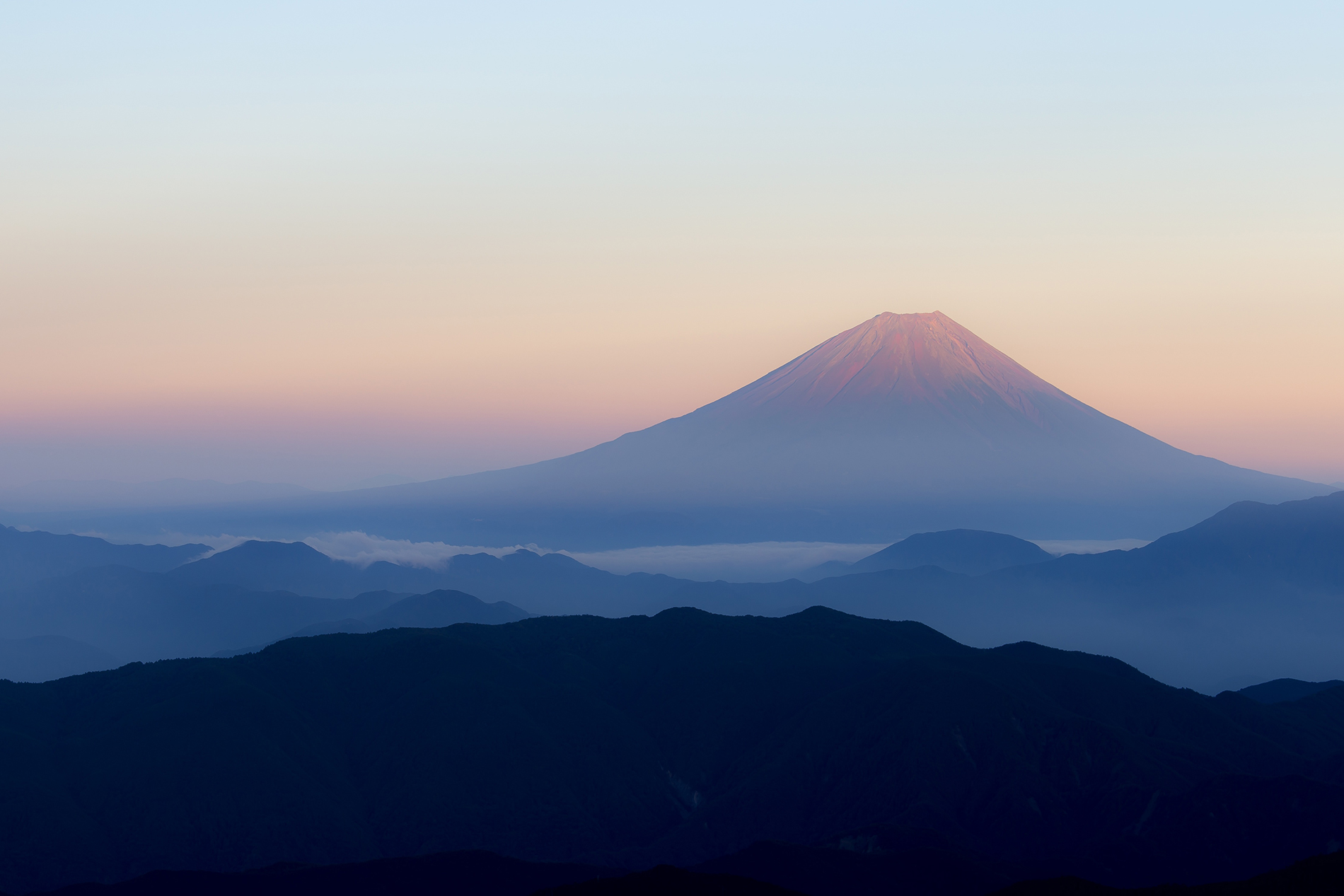 Mount Fuji early morning beauty 53536