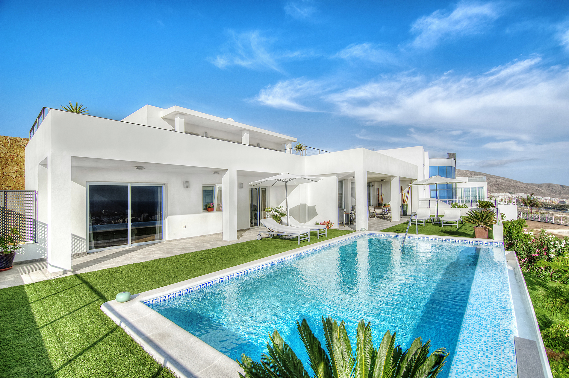 Blue Sky villas with swimming pool 53666