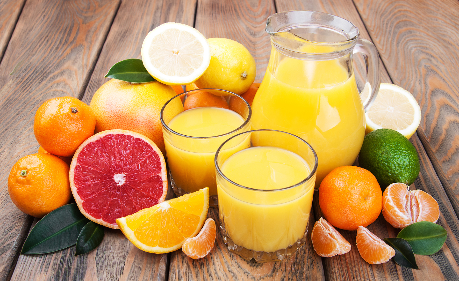 Cut orange juice and grapefruit and orange 53743