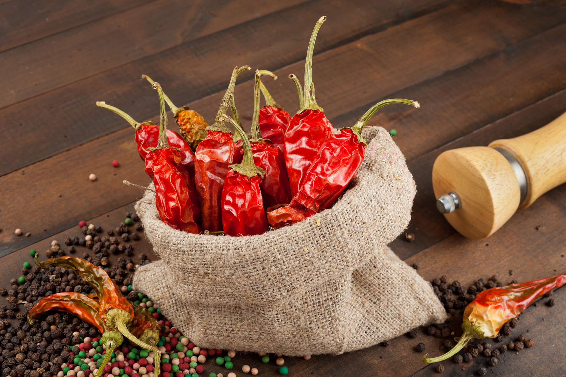Pepper and red chilli 53778