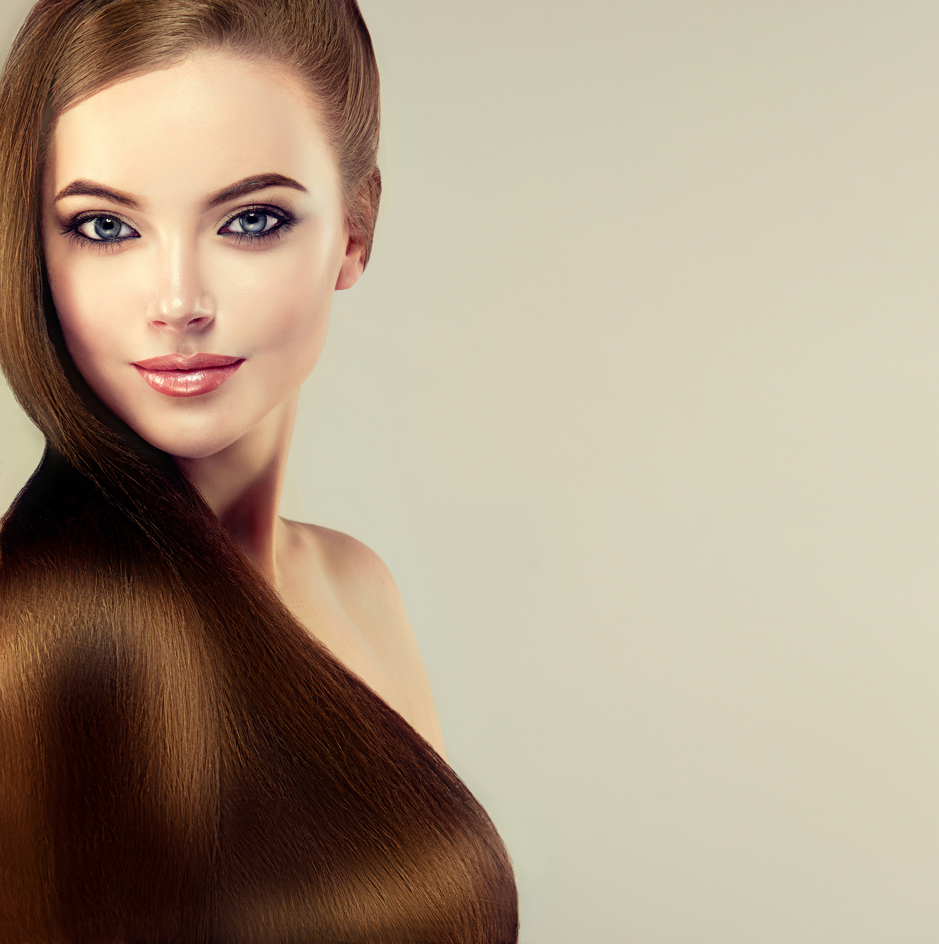 Bright and smooth hair  53966